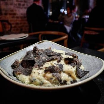 Hnadpicked-Cellars-Truffle-Pasta