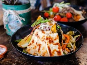 Cafe-Ventotto-Farmer Salad-Halloumi