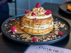 Pinkie Dulce Ricotta Pancakes
